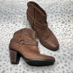 Sofft Leather Brown Ankle Boot Western Bootie